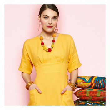 Cette robe en lin Yuka deviendra votre favorite en toutes circonstances ! 💛 • • • This Yuka linen dress will become your all-time favourite! 💛