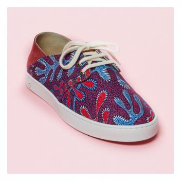 Ne sont-elles pas à tomber?...Nos petites baskets imprimées deviendront vite votre basique de l'été!🌞 • • • Crazy!!! Our little printed sneakers will quickly become your summer basics!🌞