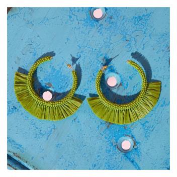 Ces boucles d'oreilles s'accorderont à toute vos tenues d'été! 🪲 • • • These earrings will match all your summer outfits!🪲