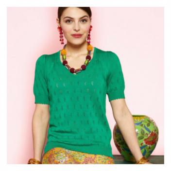 Voici un joli basique, indispensable dans votre garde robe! 💚 • • • Here is a nice basic, essential in your wardrobe!💚