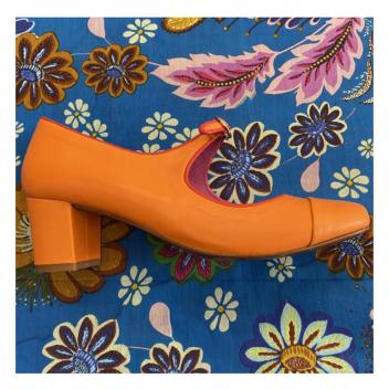 Esprit sixties, voici les souliers qu'on ne veut plus quitter !🧡 • • • Esprit sixties, voici les souliers qu'on ne veut plus quitter!🧡